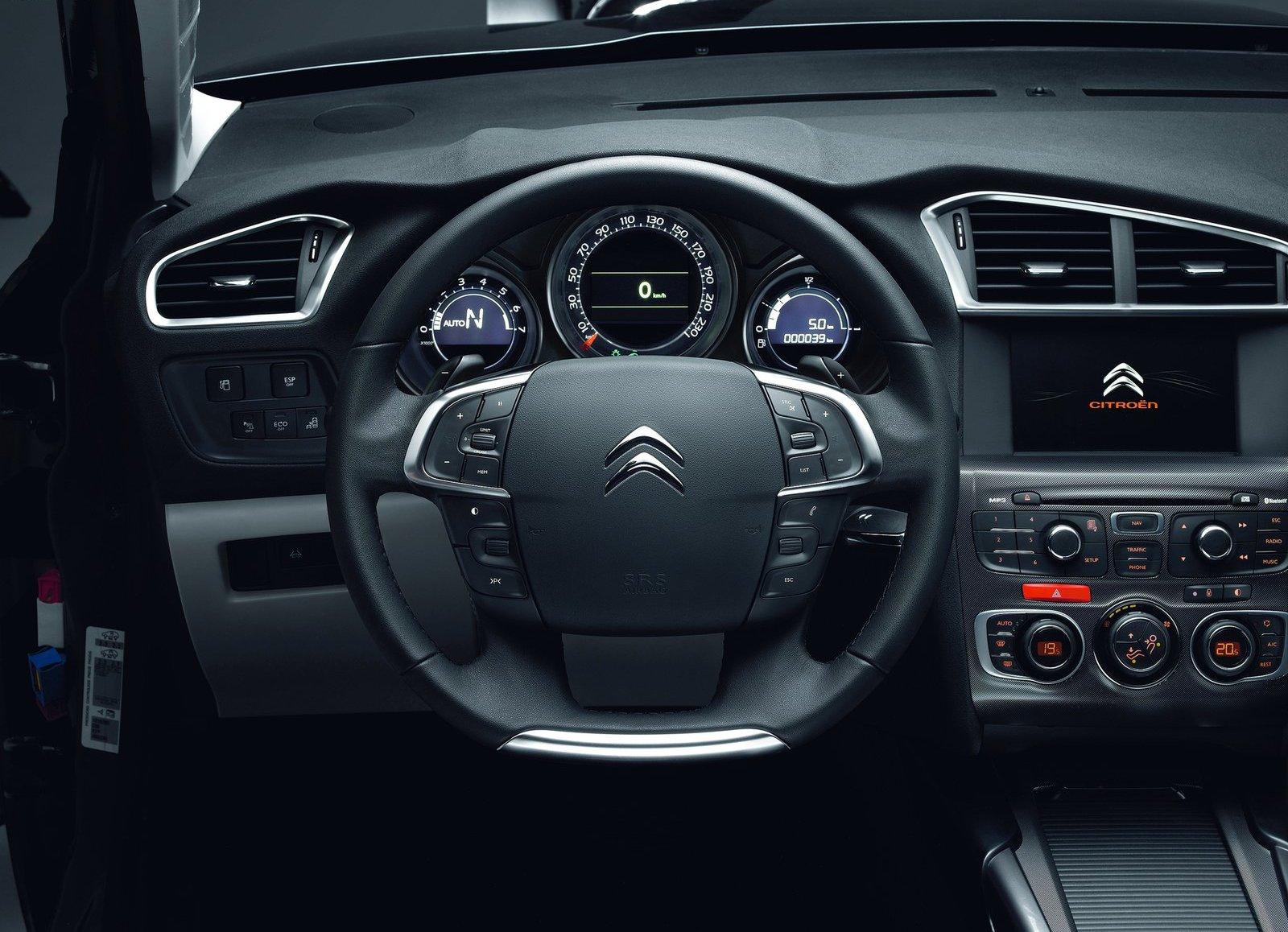 Intérieur - Page 1 - Citroën C4 (2011) - http://citroen.c4.free.fr/